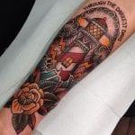 Tatuajes de faros old school