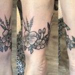 Tatuajes de brazaletes de flores