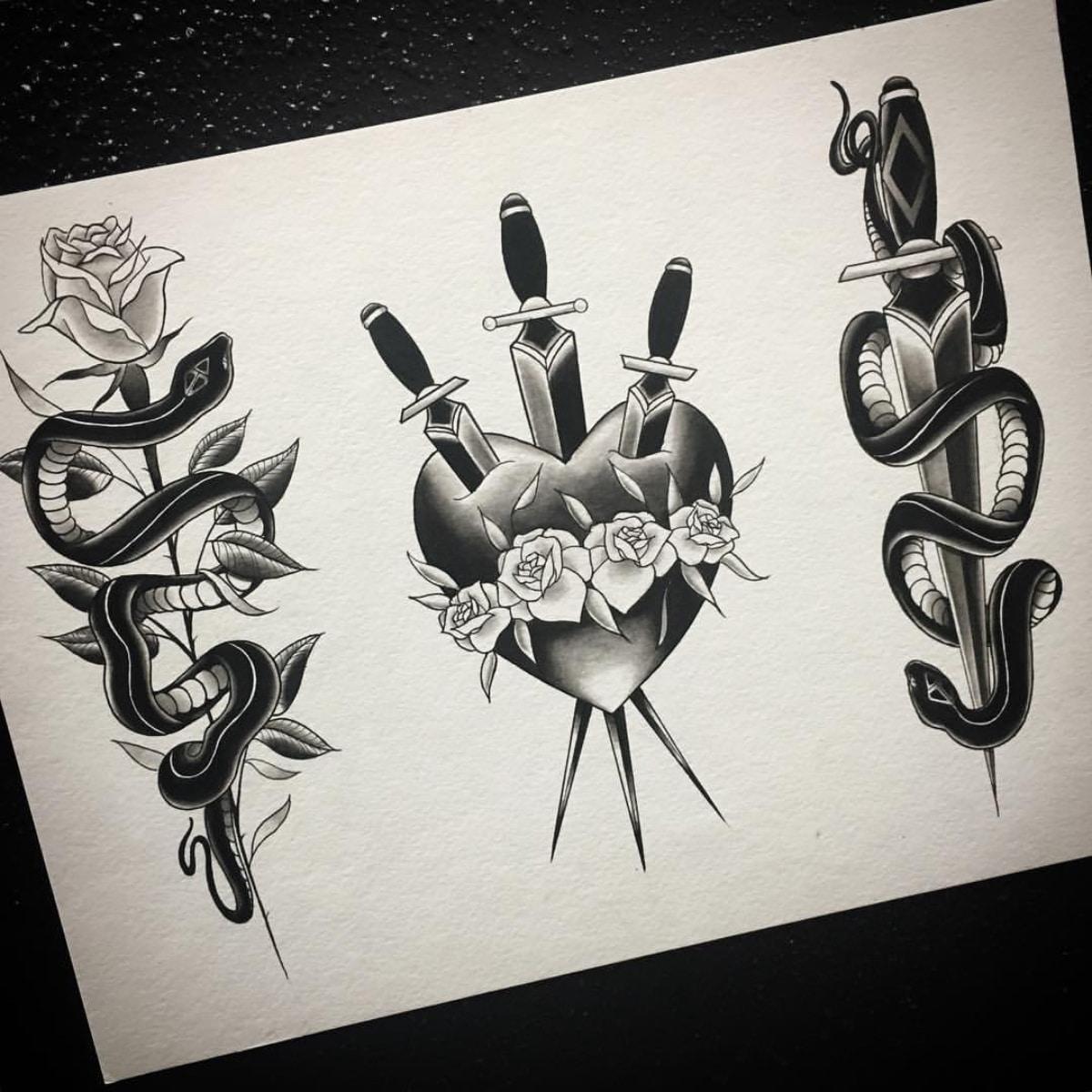 Un montón de diseños con dagas y rosas