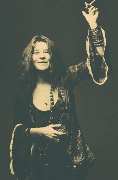 Janis Joplin saludando a la cámara