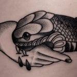 Tatuajes de apretones de manos