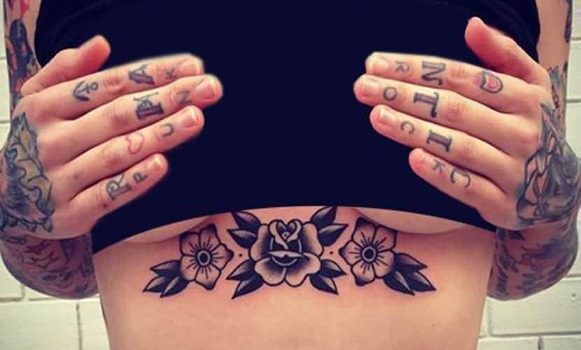 Tatuajes de rosas en el pecho
