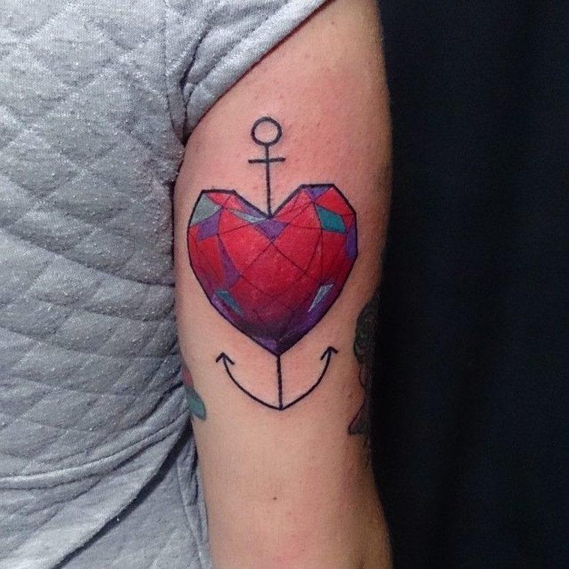 Tatuaje de corazón y ancla