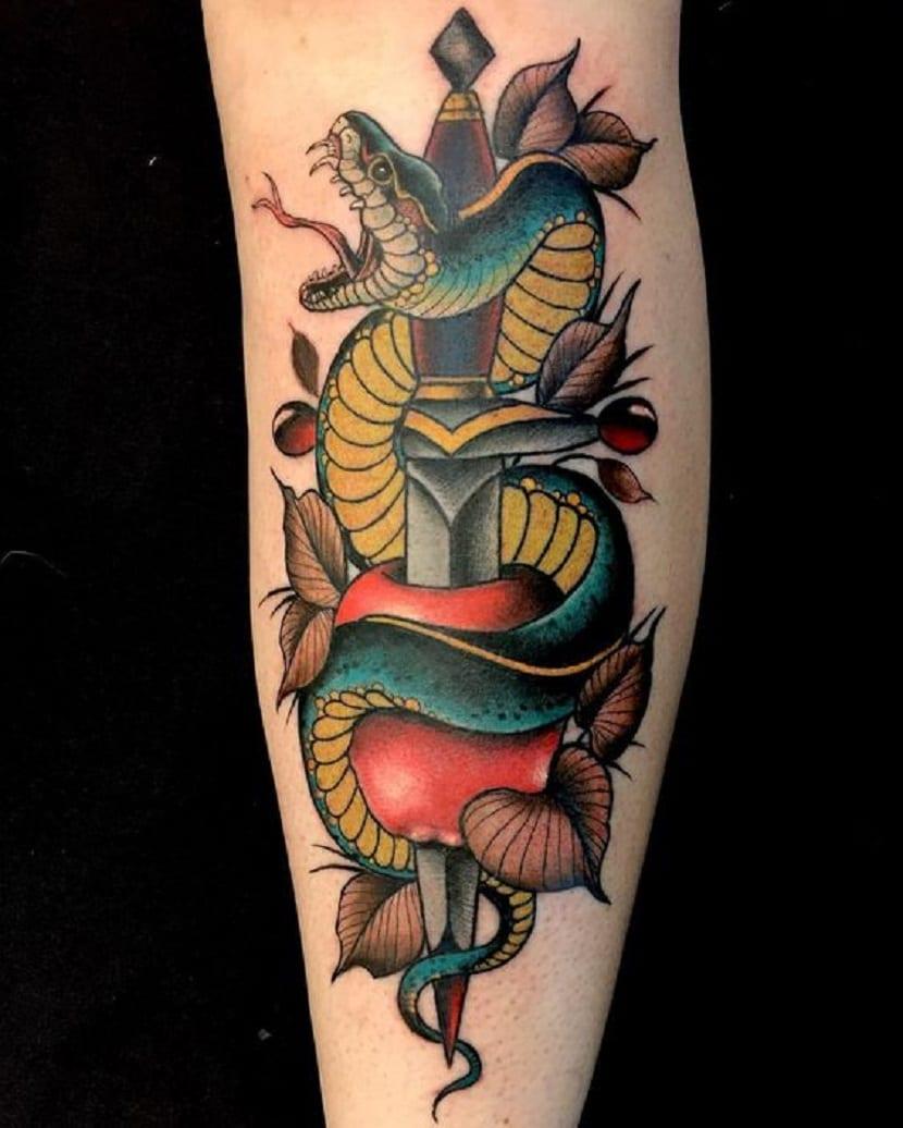 Forasteiro Tattoo Tattoo Serpente: Tatuajes De Serpientes En La Pierna Y Sus Grandes Significados