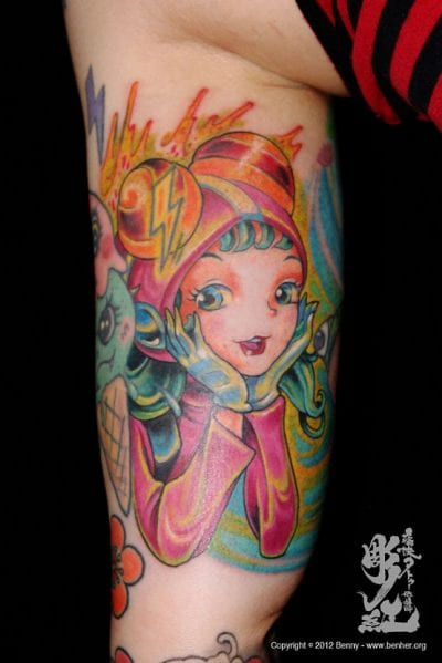 Tatuaje kawaii de chica anime
