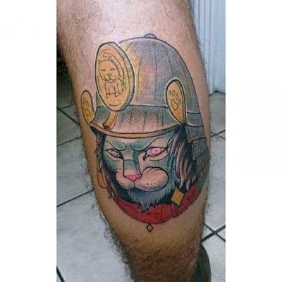 Tatuaje de gato samurai