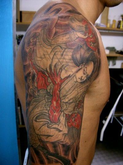 Tatuaje de samurai contra demonio