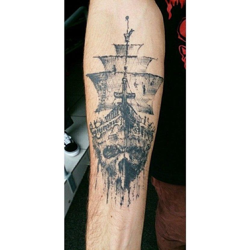 Tatuaje de terror de barco