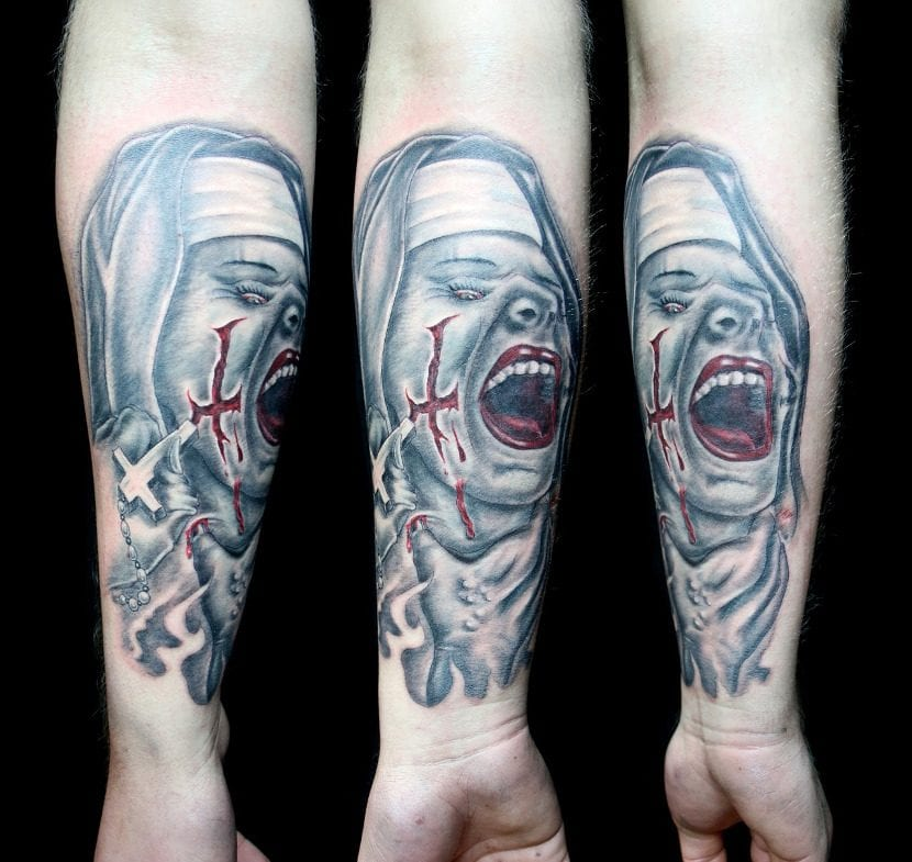 Tatuaje de terror de monja