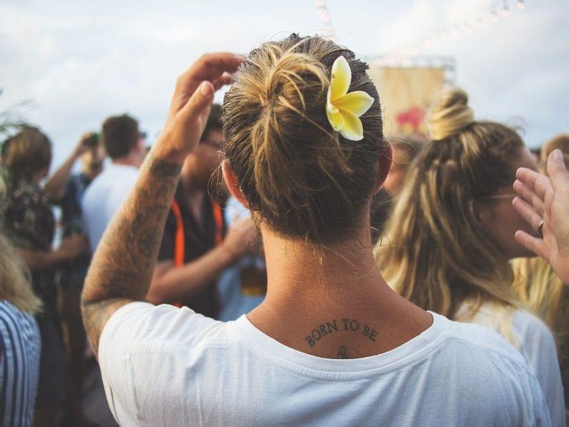Tatuaje pequeño en la espalda