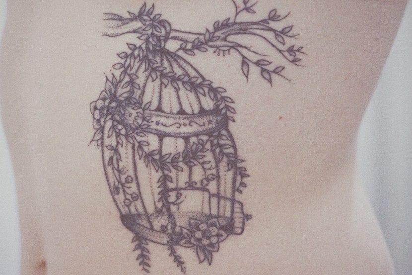 Tatuaje de jaula vacía