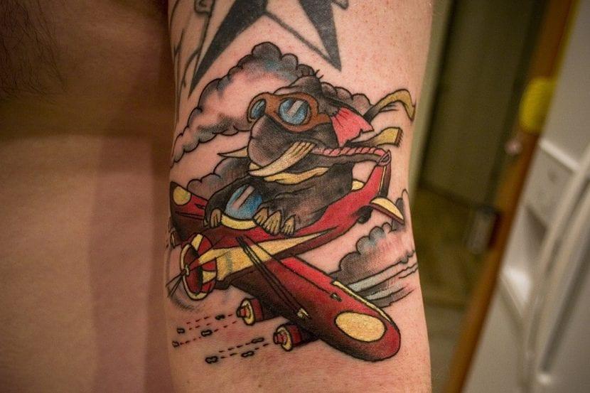 Tatuaje avion elefante