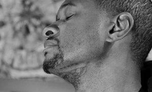 Tatuaje en la barbilla de Usher