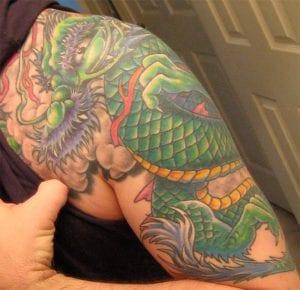 Tatuaje dragón chino verde