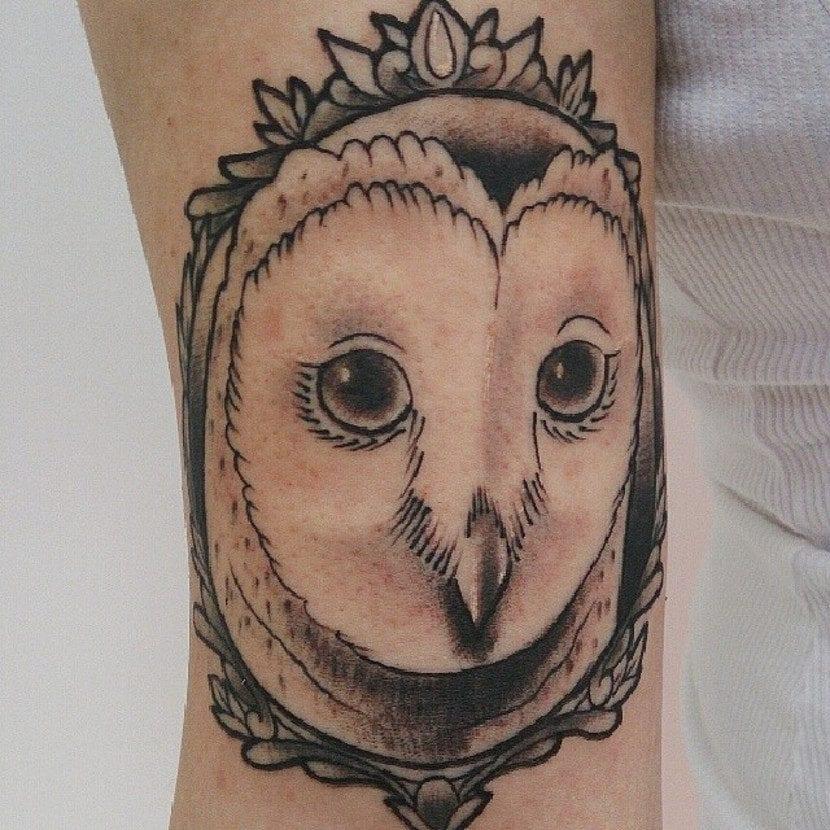Tatuaje cara lechuza