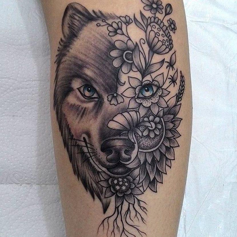 Tatuaje lobo mandala flores