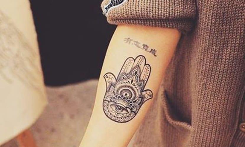 Mano De Fatima Tattoo