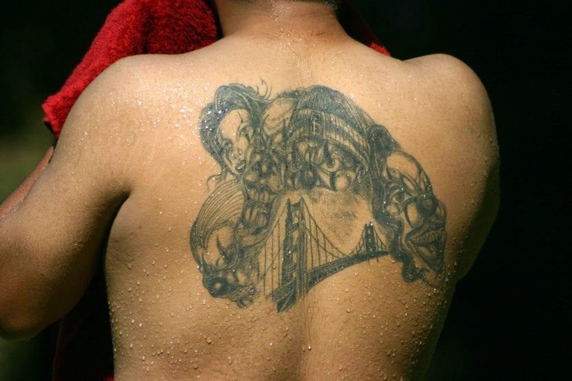 Tatuaje payasos puente