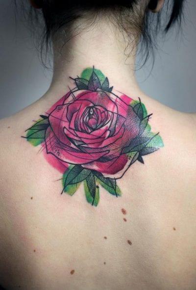 Tatuaje rosa cuello acuarela