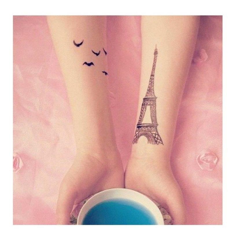 Tatuaje París antebrazo