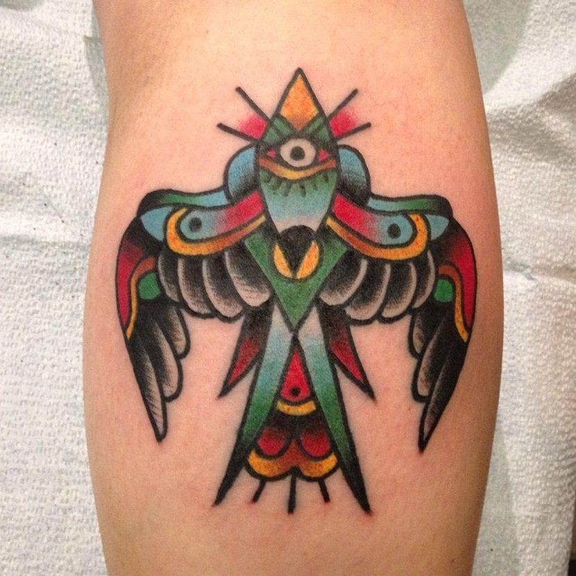 Tatuaje pájaro old style