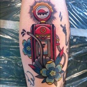 Tatuaje surtidor gasolina