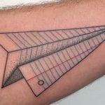 Tatuajes de aviones de papel