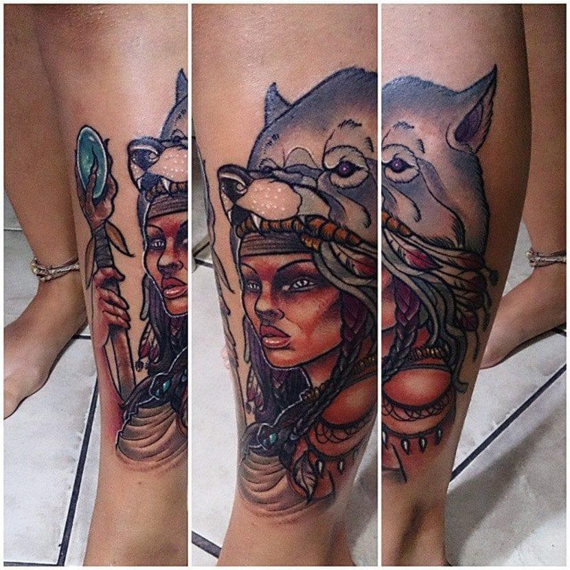 Tatuaje loba cetro