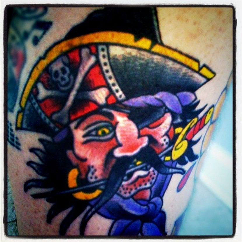 Tatuaje pirata barbudo