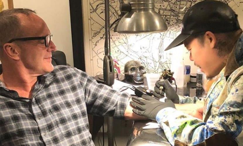 Tatuaje de Clark Gregg