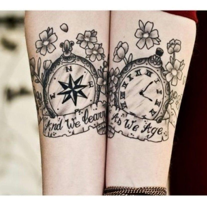 Tatuaje brújula reloj