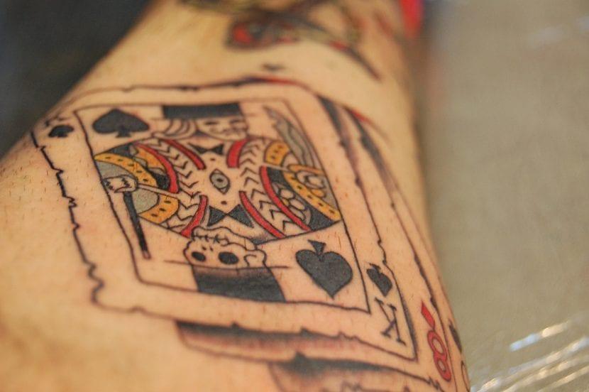 Tatuaje cartas rey picas
