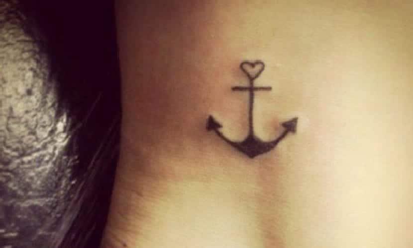 Tatuajes De Anclas En El Tobillo Recopilación De Diseños
