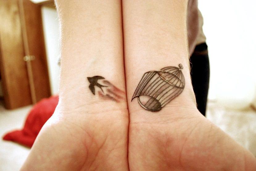 Tatuaje jaula pájaro