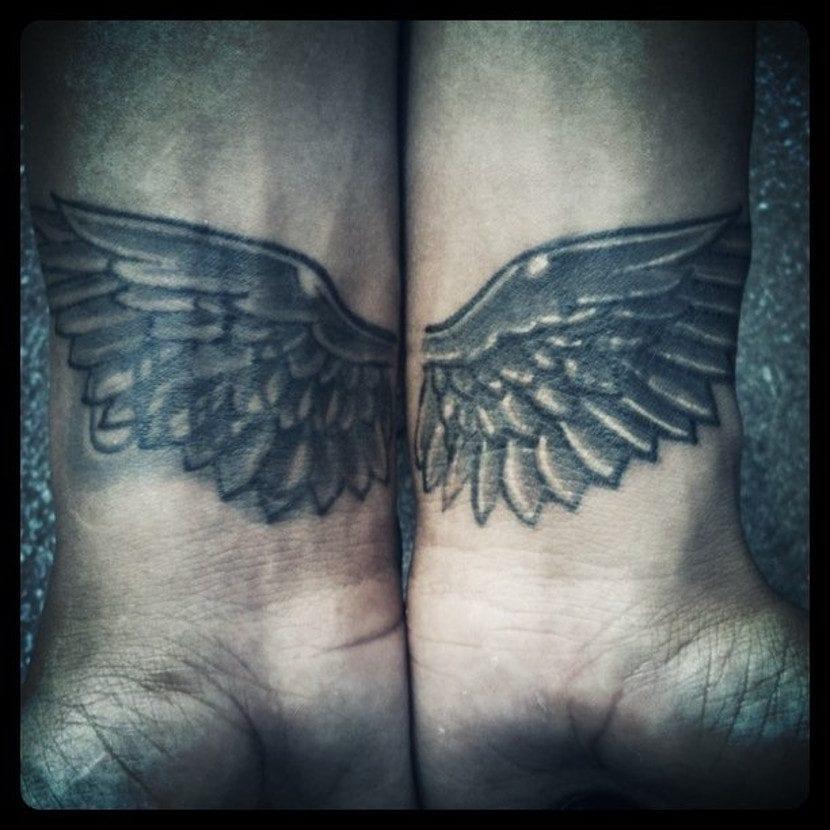 Tatuaje doble alas