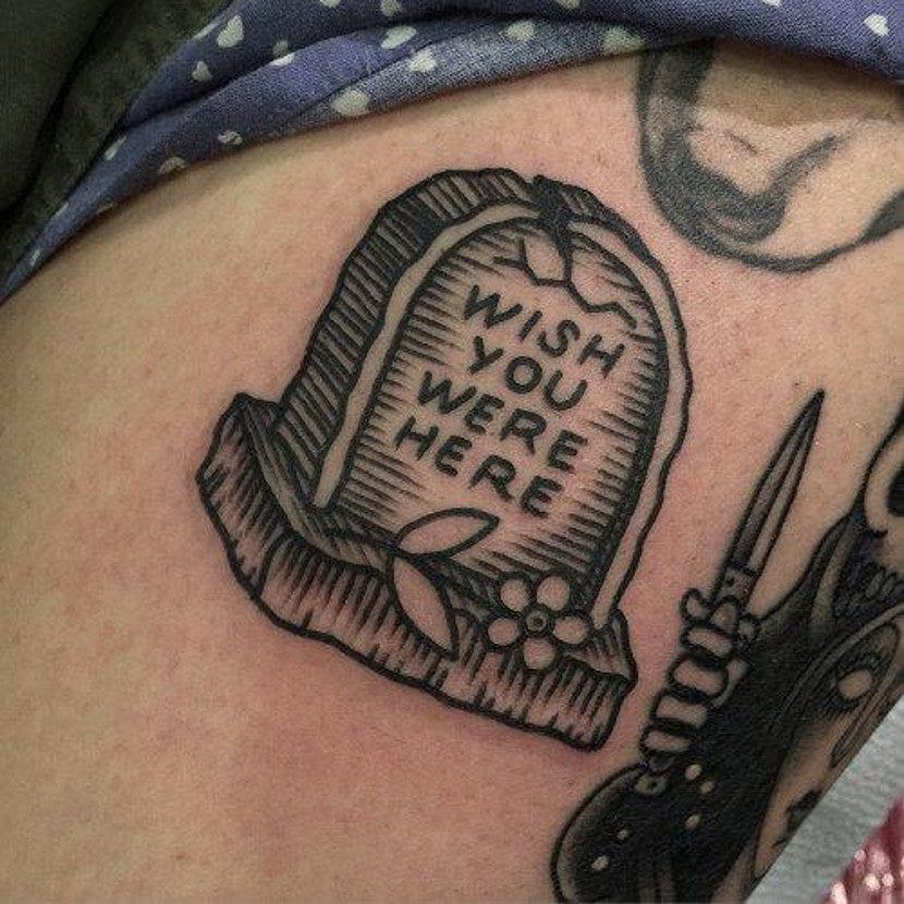 Tatuajes mensajes tumba