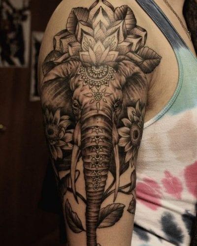 Tatuaje elefante brazo
