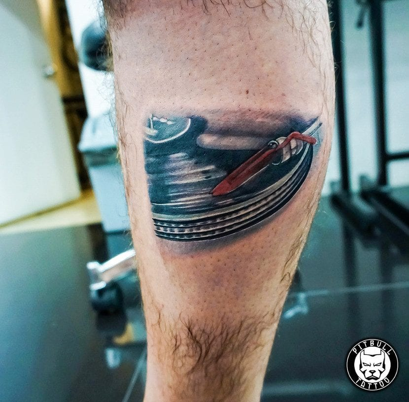 Tatuaje disco realista