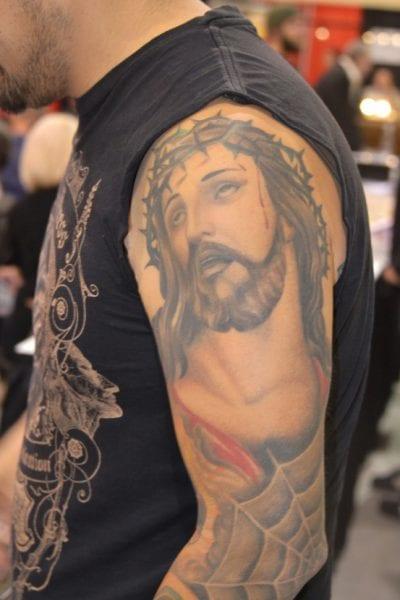 Tatuaje Jesús corona espinas