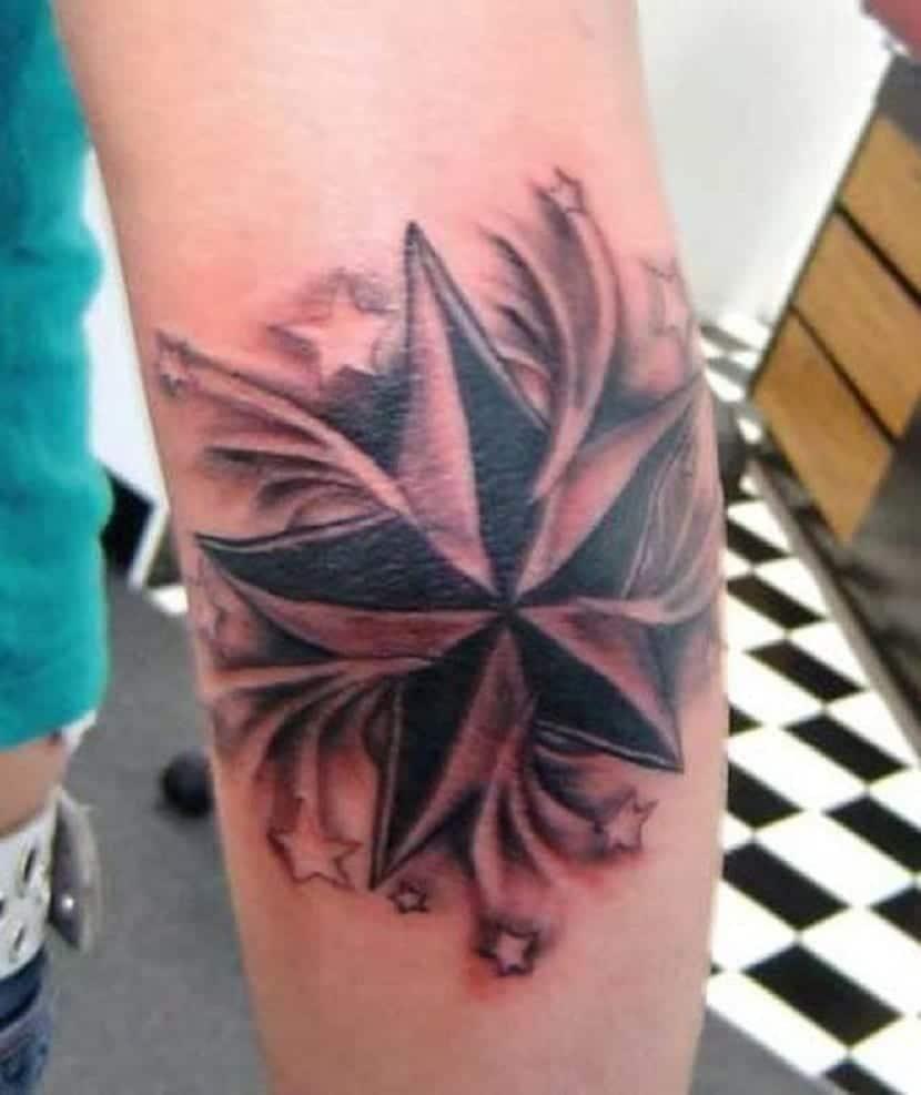 tatuaje estrellas en codo