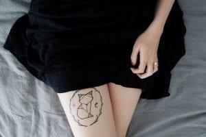 tatuaje en las piernas mujer
