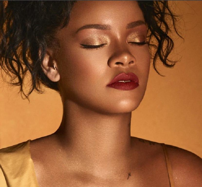 Tatuajes de Rihanna Cruz