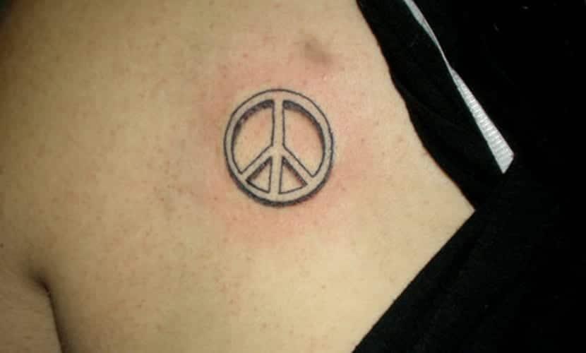 Tatuajes Del Símbolo De La Paz Recopilación Y Significado