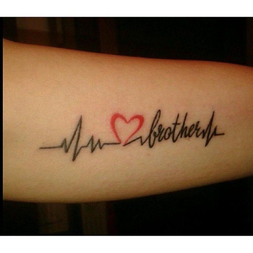 Tatuajes electrocardiograma corazón