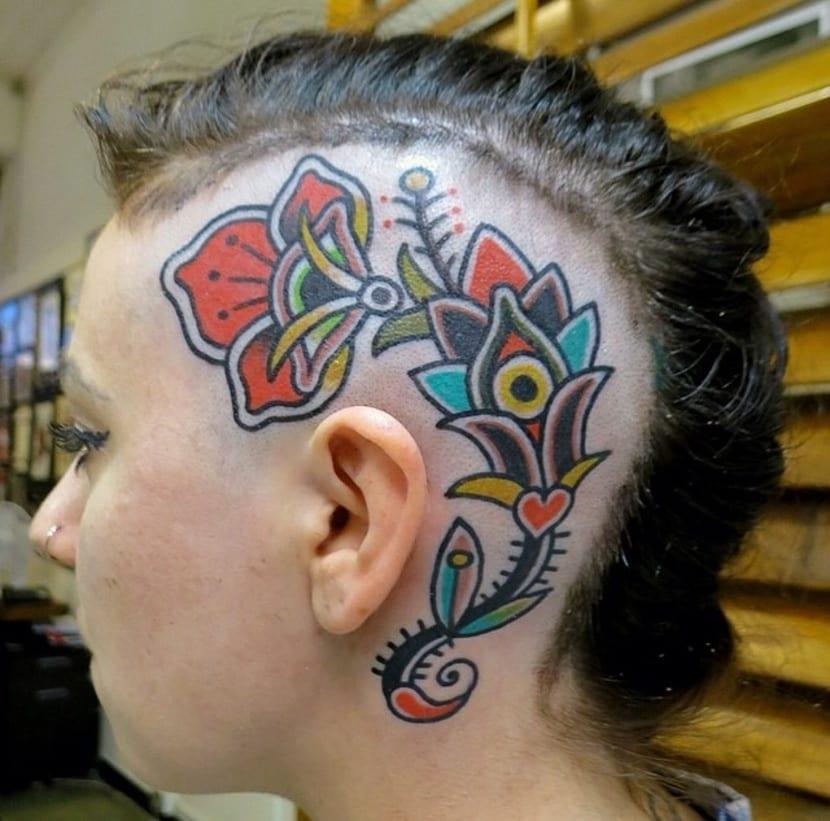 Tatuaje en la cabeza