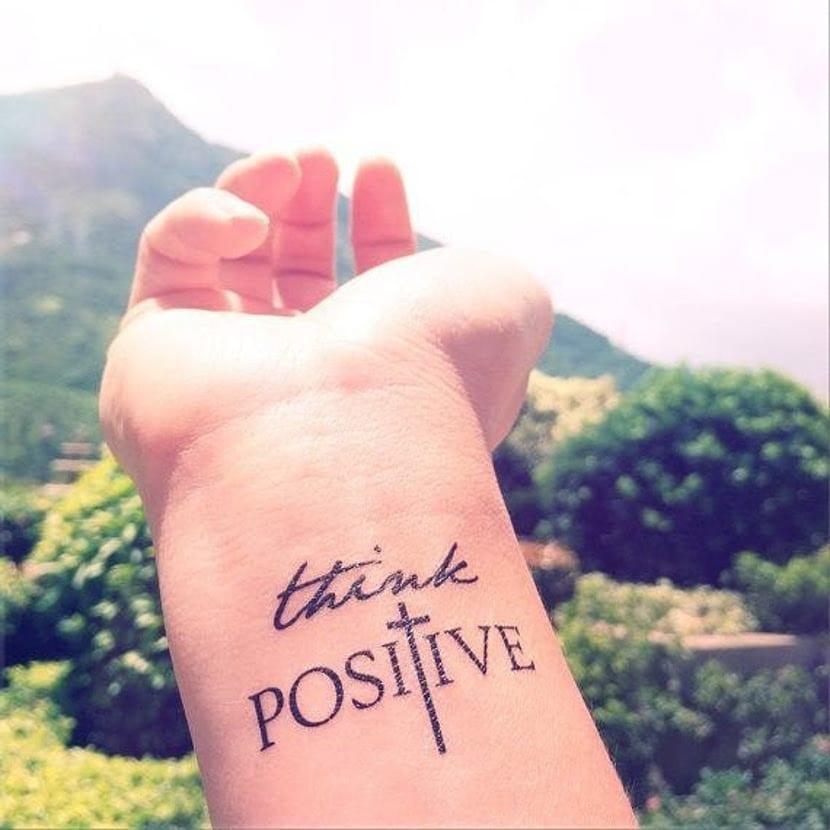 Tatuajes con frases positivas