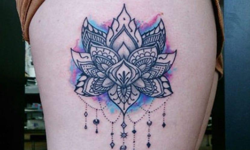 Tatuajes De Flor De Loto En El Muslo Recopilación De Diseños E Ideas