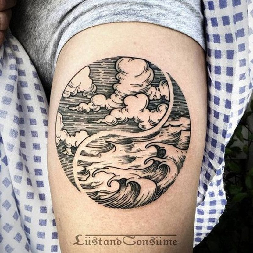 Tatuaje de Yin Yang mar