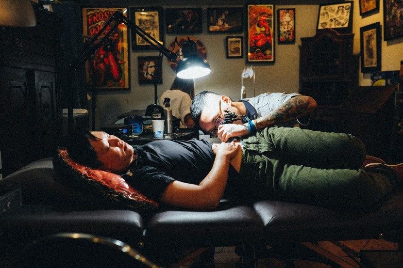 Piel y tatuajes silla