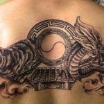 Tatuajes de dragones en la espalda